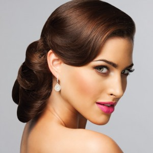 Opting for a Fabulous and Glamorous Wedding Hairstyle