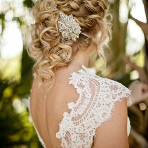 How to Make Your Wedding Hairstyle Standout
