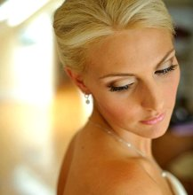 Get Perfect Looking Skin Tips for a Faultless Wedding Makeup