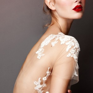 The Top 5 Wedding Makeup Tips on Lipstick